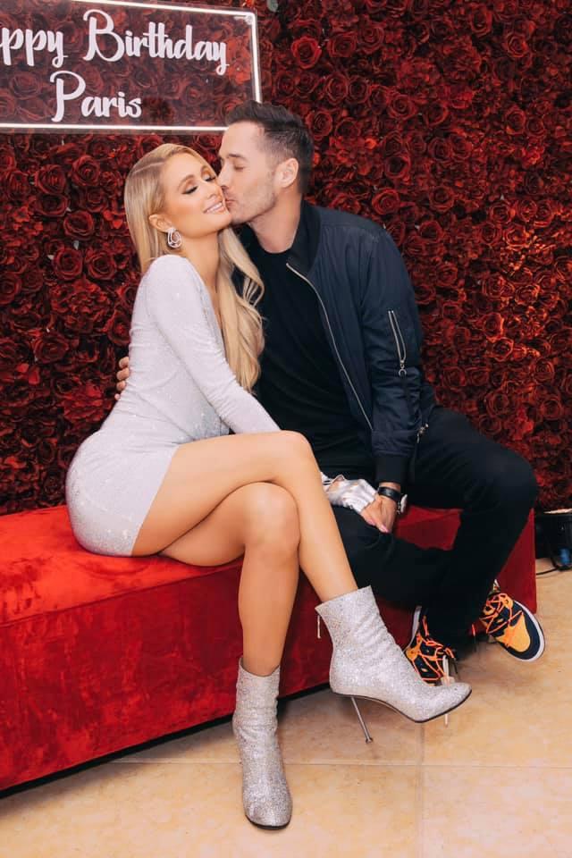 Paris Hilton e o namorado, Carter Reum