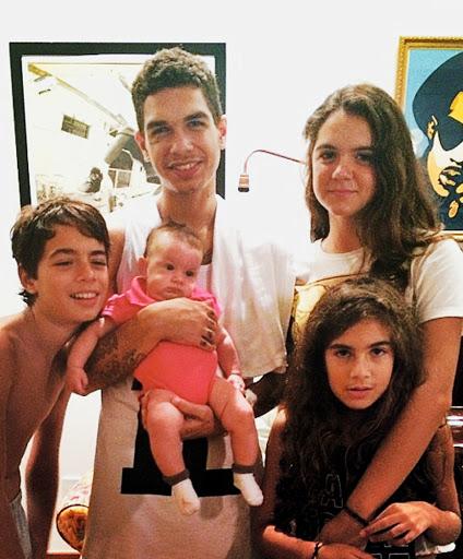 Os filhos e neto de Marcelo D2