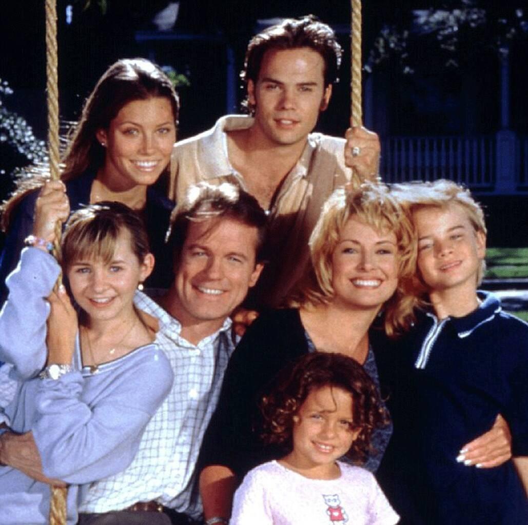Jessica Biel e o elenco de 7th Heaven