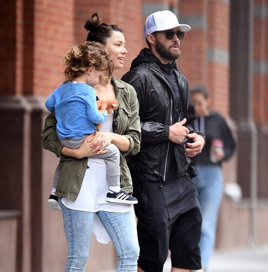 Jessica Biel como filho e Justin Timberlake