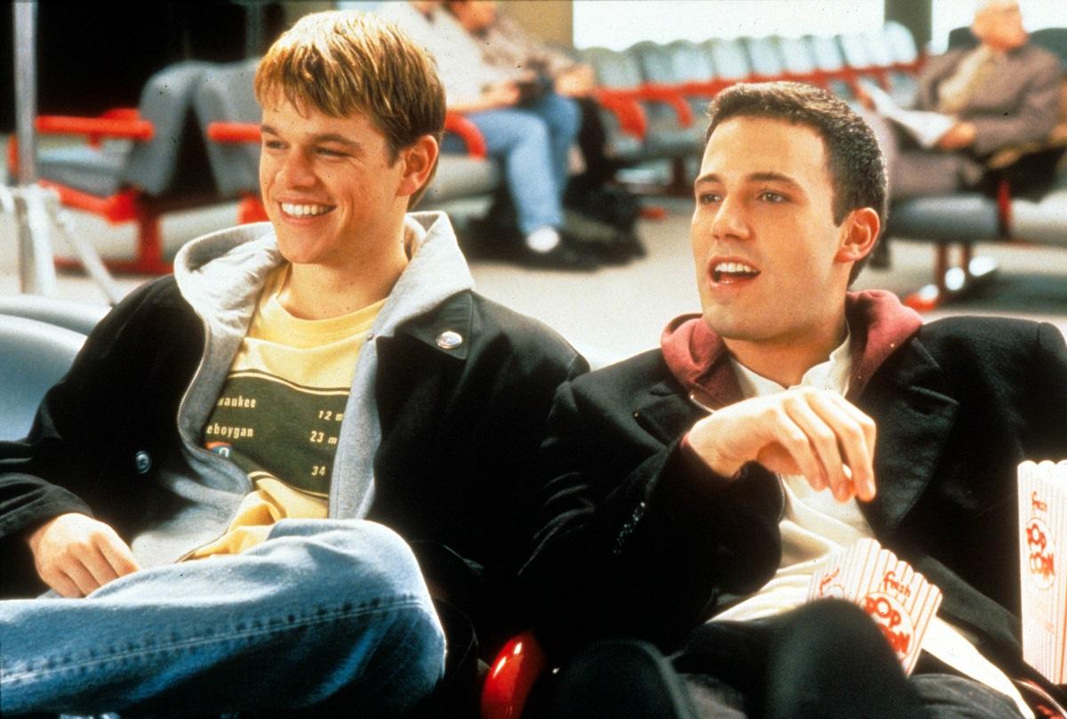 Matt Damon e Ben Affleck em cena de Gênio Indomável