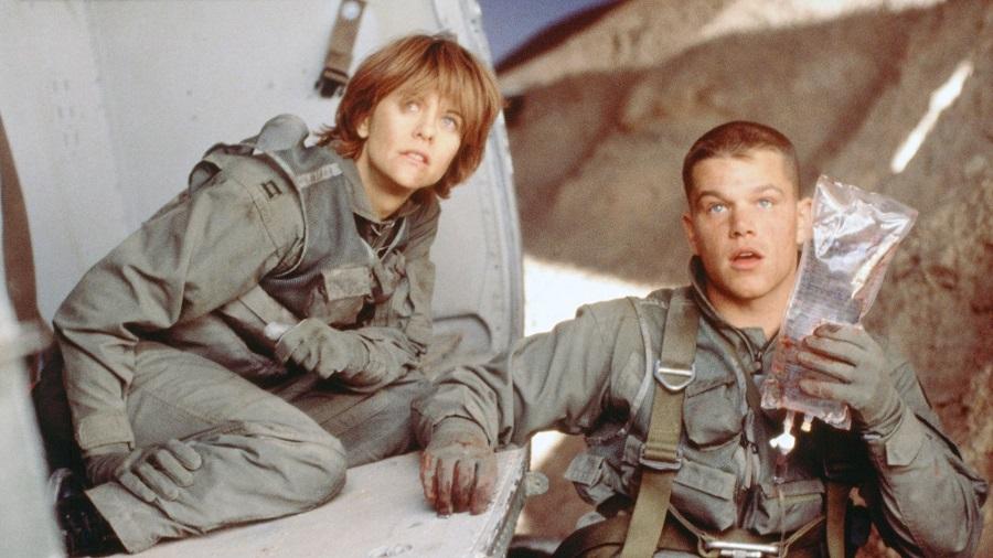Matt Damon em cena de Coragem Sob Fogo