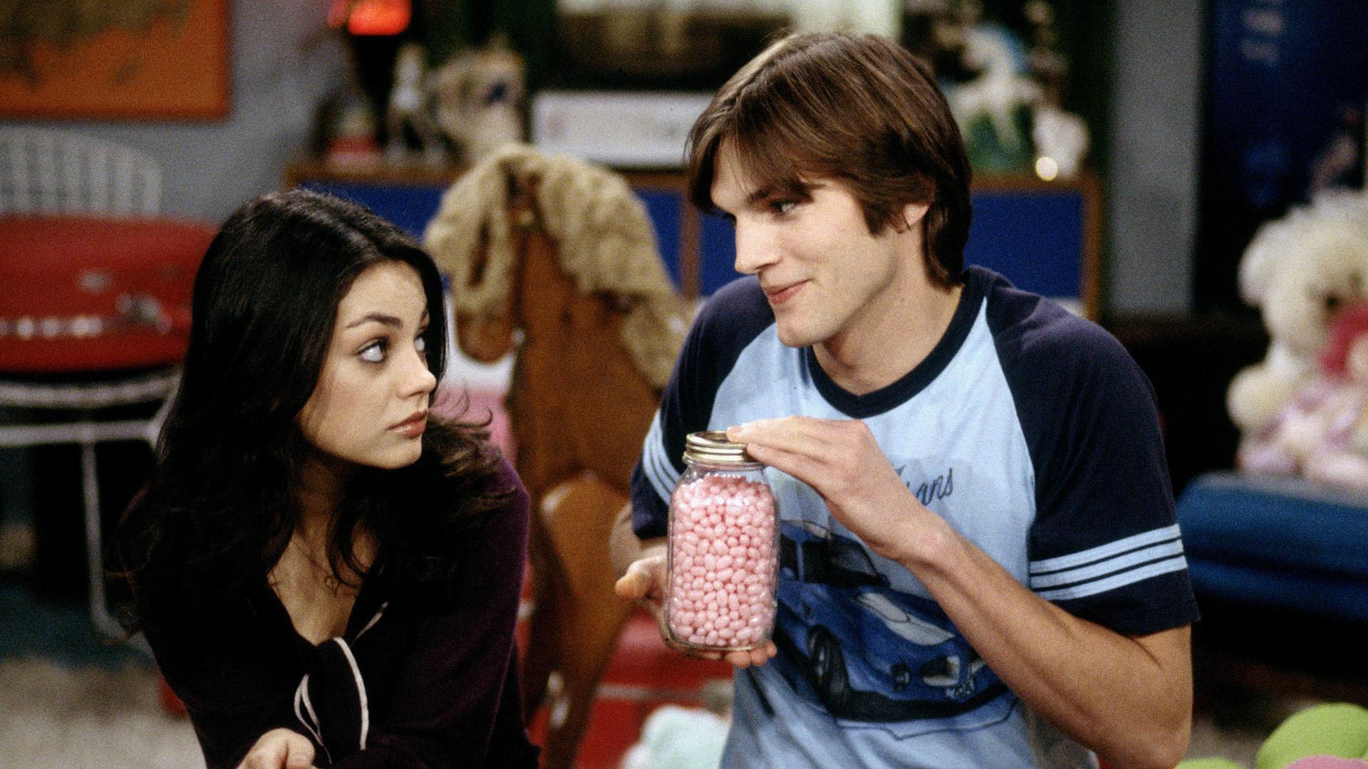 Mila Kunis e Ashton Kutcher como Jackie Burkhart e Michael Kelso