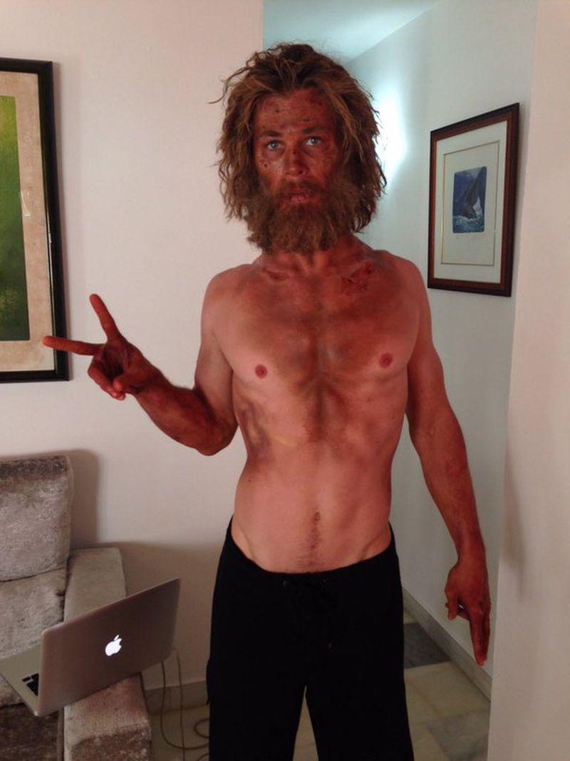 Chris Hemsworth na pele de Owen Chase