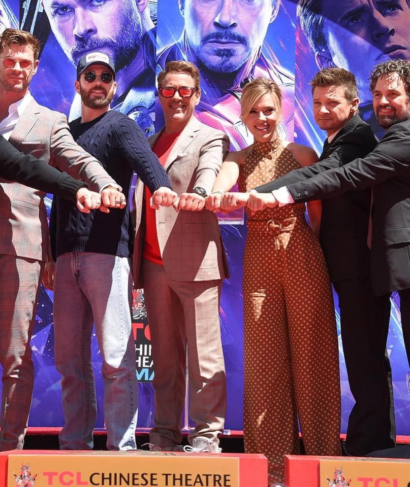 Chris Hemsworth e o elenco de Os Vingadores