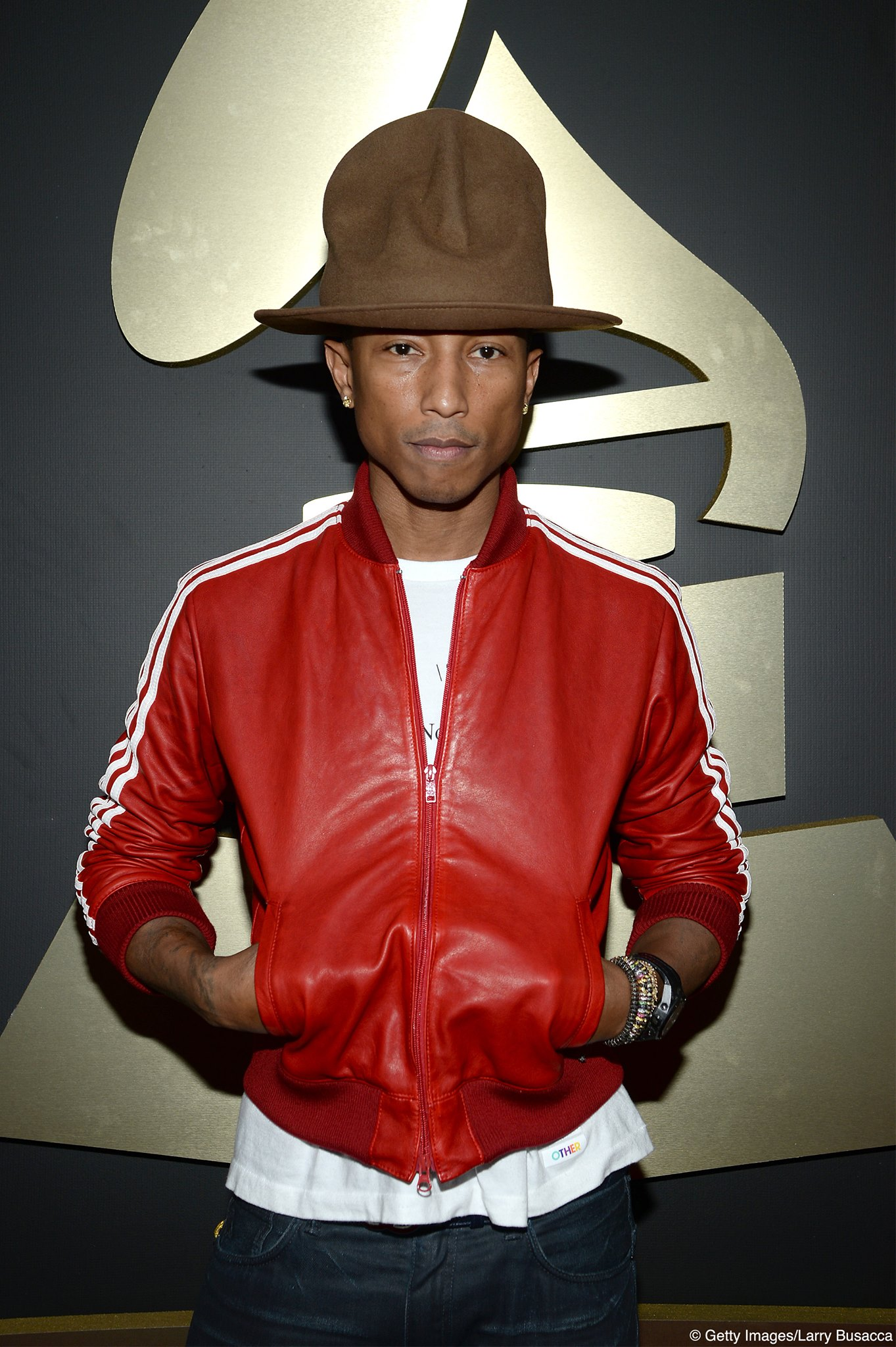 Pharrell Williams e chapéu icônico no red carpet