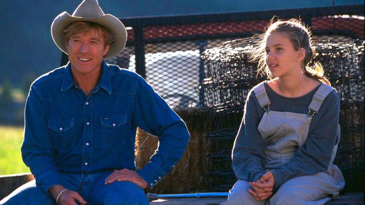 Scarlett Johansson em cena de O Encantador de Cavalos